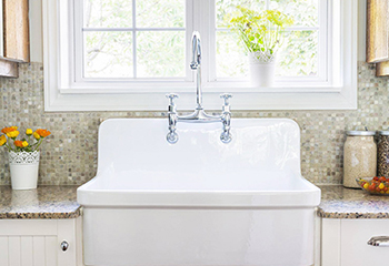 White farmhouse sink installed in Rochester, MN 55901